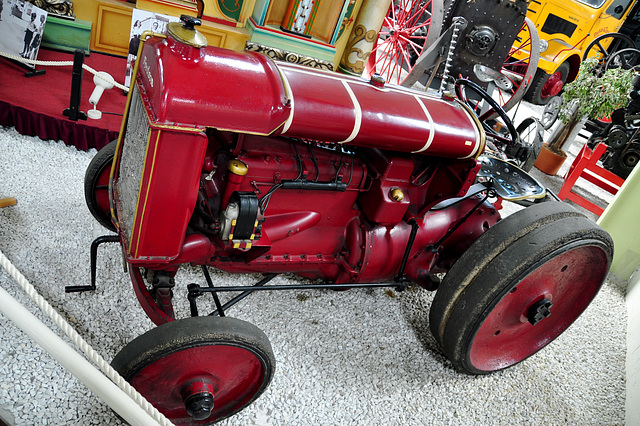 Holiday 2009 – 1925 Fordson Tractor