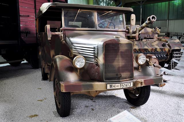 Holiday 2009 – 1941 Mercedes-Benz L 1500 A