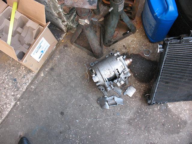 Honda CR-V (2004) Compressor - replaced June25 2009