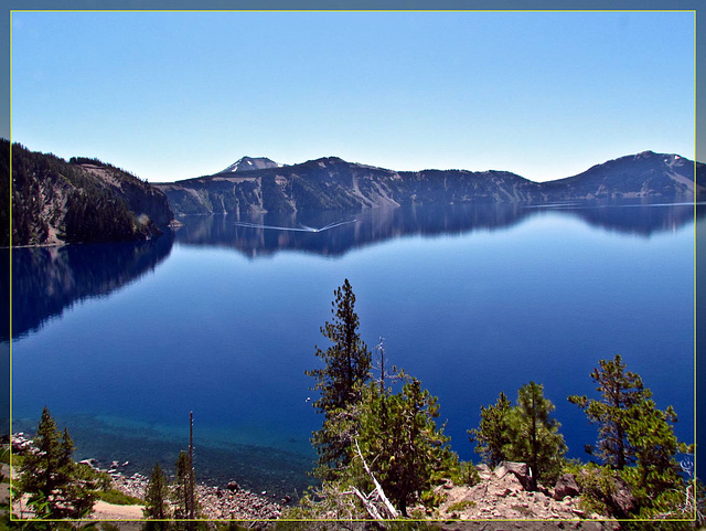 Crater Lake and Wizard Island Tour Boat