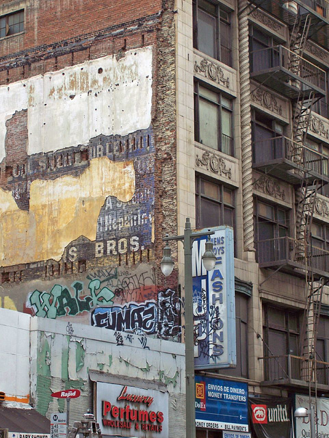 Graffiti meets ghost sign
