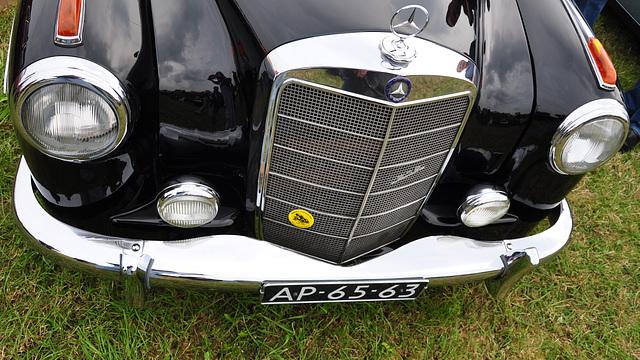 Oldtimershow Hoornsterzwaag – 1959 Mercedes-Benz 219