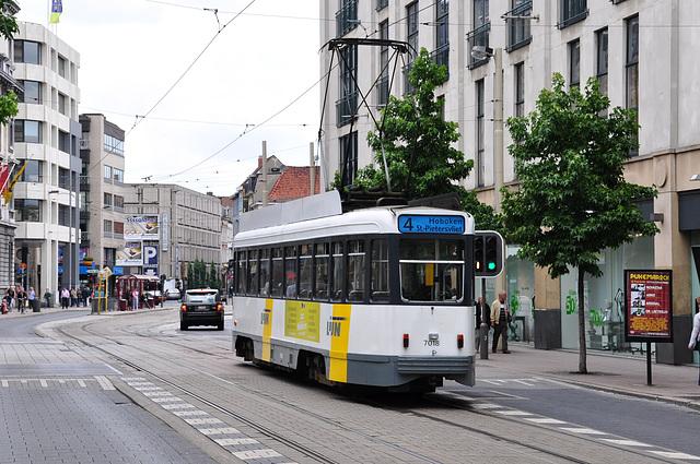 Antwerp tram 7018