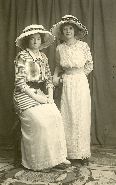 Lovely young Edwardians