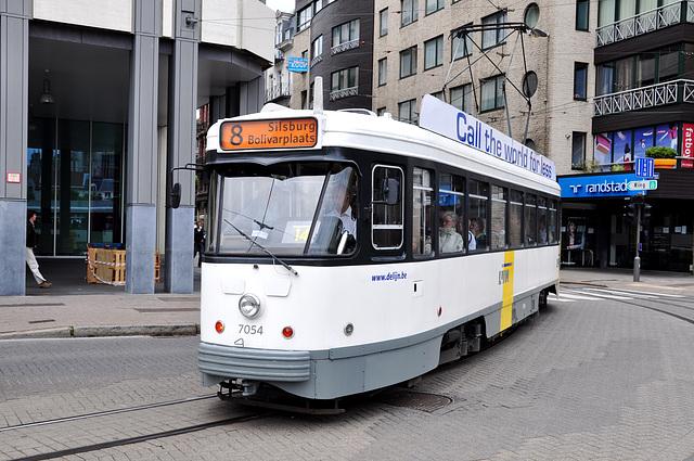 Antwerp tram 7054