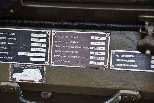 Oldtimershow Hoornsterzwaag – Maintenance schedule of a DAF YA66