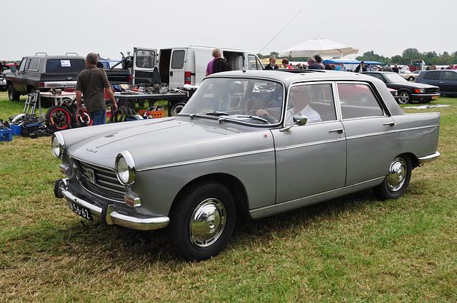 Oldtimershow Hoornsterzwaag – 1968 Peugeot 404 XC7