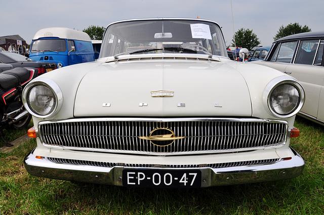 Oldtimershow Hoornsterzwaag – 1961 Opel Kapitän