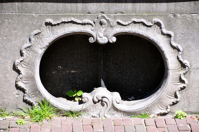 Detail of an entrance on the Rapenburg in Leiden