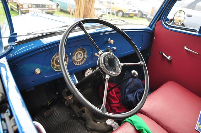 Oldtimershow Hoornsterzwaag – 1949 Opel Blitz