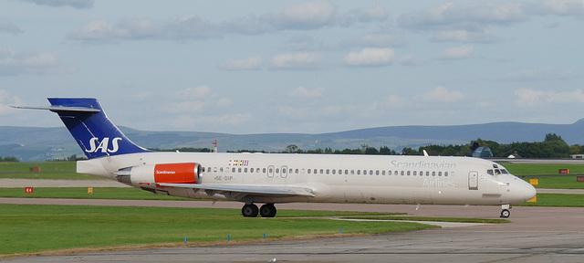 McDonnell-Douglas MD87 SE-DIP (SAS)
