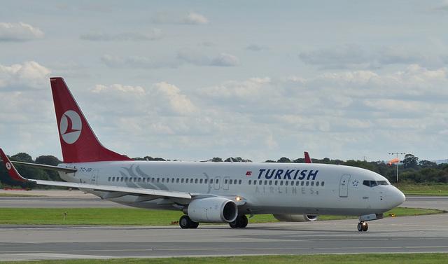 Boeing 737-8F2 TC-JGI (Turkish)