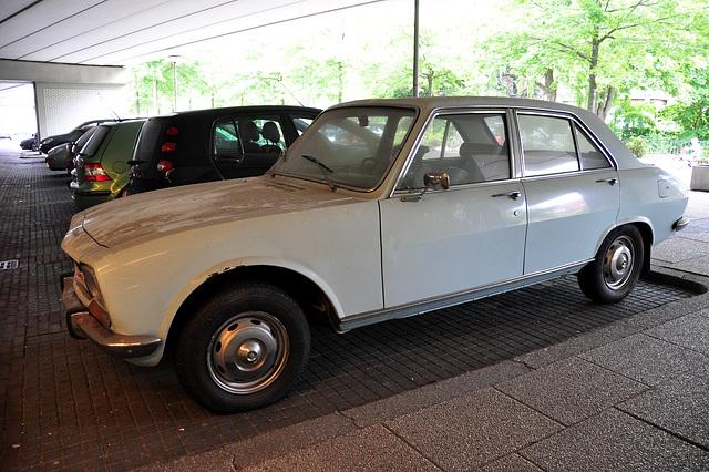 1970 Peugeot 504 A01