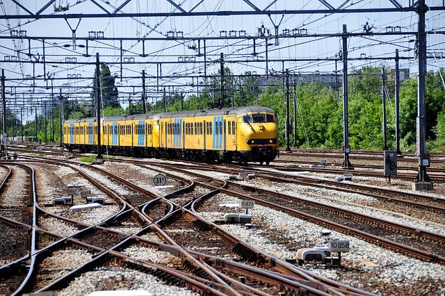 Train arriving in Leiden