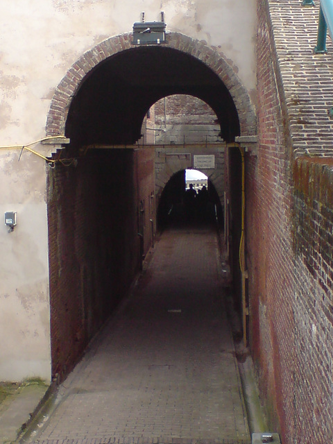 Tunnels to the jetty