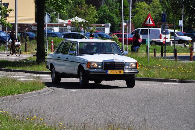Mercedes-Benz 250 Long