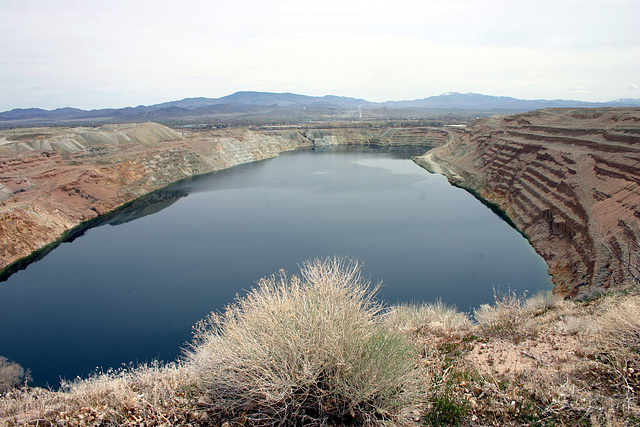 Yerington Pit Lake