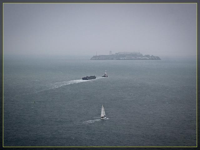 GGB Bay View: Alcatraz and Boats