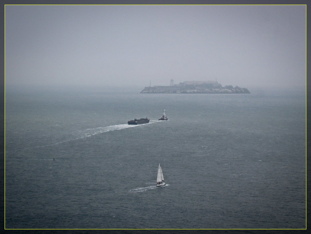 GGB Bay View: Alcatraz and Boats