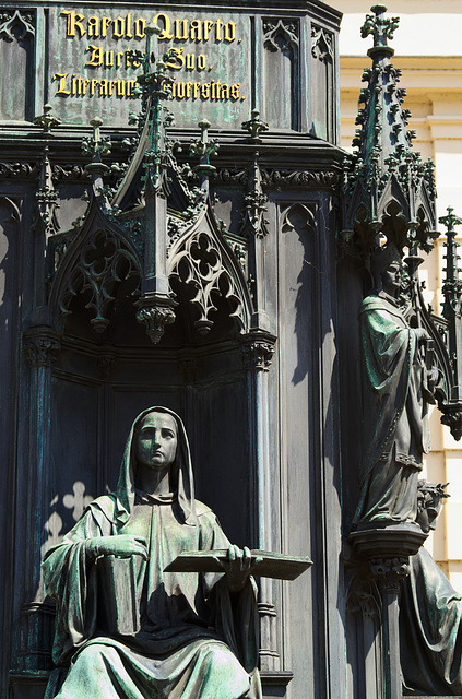 Karolos Quatro bronze statue at Prague