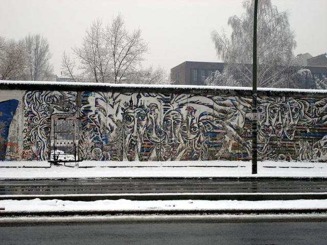 Berlin East Wall Gallery 11