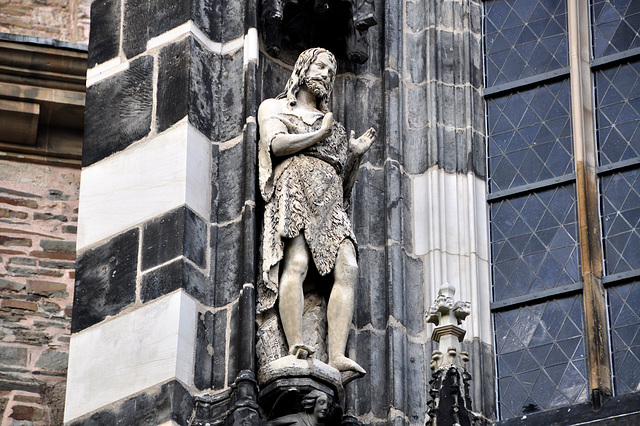 Aachen cathedral – John the Baptist?