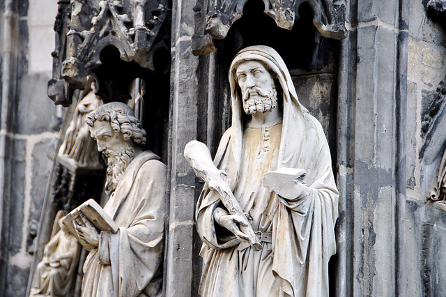 Aachen cathedral – Statues