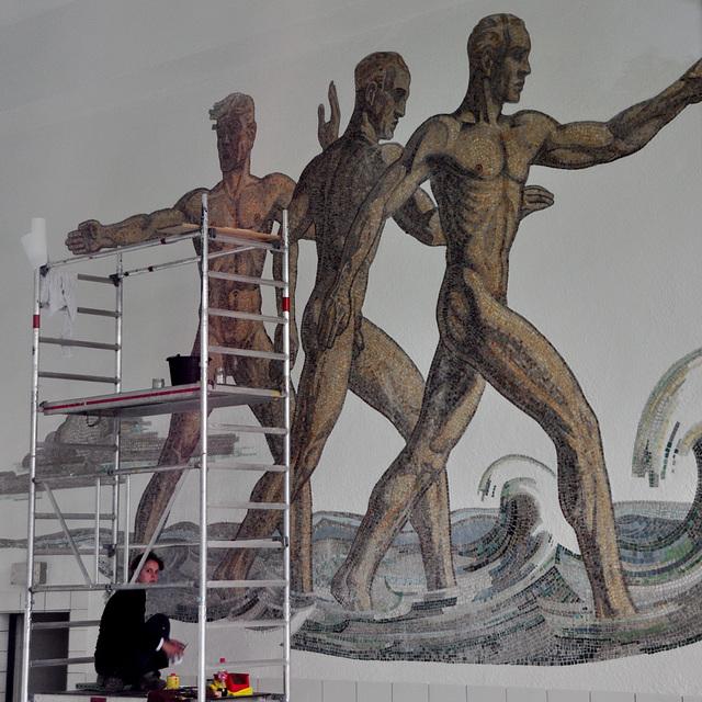 Vogelsang IP – Mural in the Swimming Pool