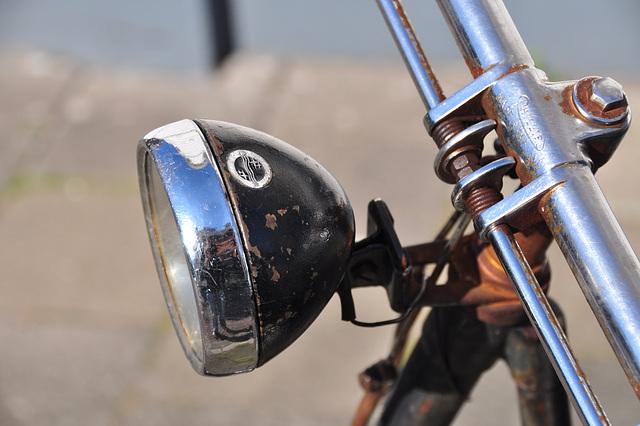 Old Juncker bicycle – Philips headlight