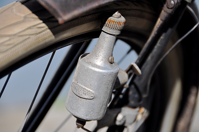 Old Juncker bicycle – Philidyne dynamo