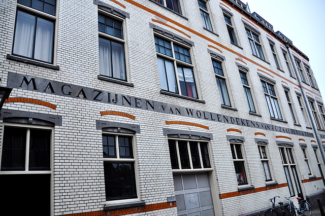 Lettering on the former warehouse of the woolen blankets company of J.C. Zaalberg
