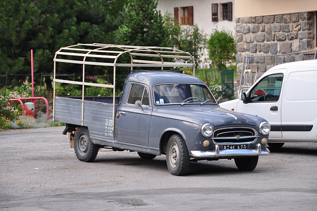 Holiday 2009 – Peugeot 403