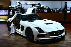 Dubai 2013 – Dubai International Motor Show – Mercedes-Benz SLR