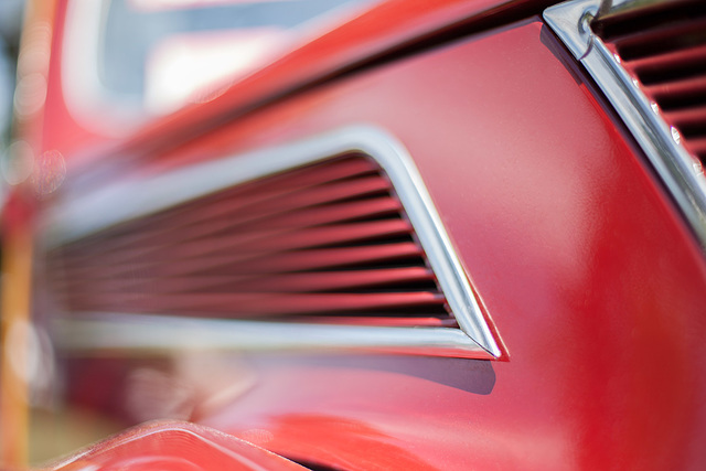 Abstract Classic Ford Details