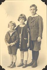 Richard, Doris and Carl Grossenbach, about 1924.