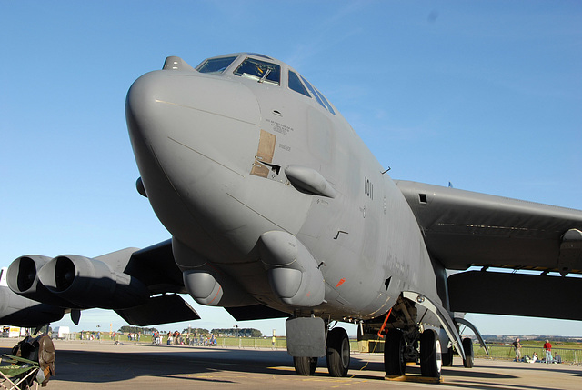 61-0011/BD B-52H US Air Force