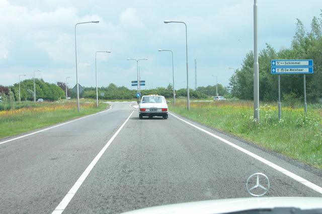 Geen driewieler Mercedes, maar een lage uitlaat