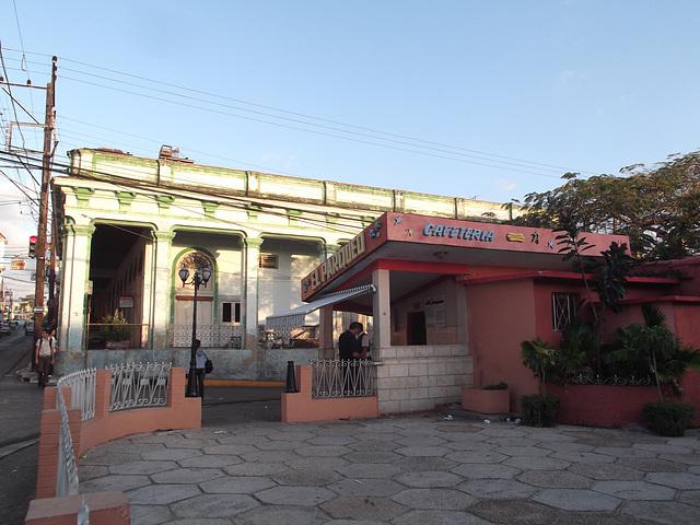 Cafeteria El Parqueo.