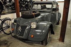 Automuseum von Fritz B. Busch – 1963 Citroën 2cv Sahara 4x4