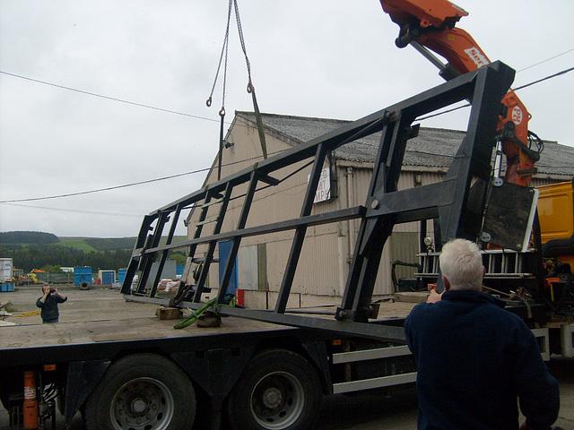 No.25 - unloading underframe