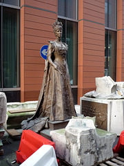 Queen Alexandra surrounded by bits of her plinth