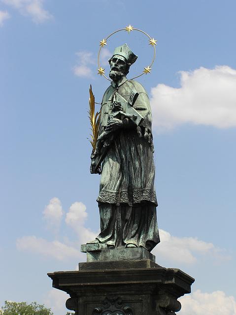 Jan Nepomucký -- Socha na Karlově mostě