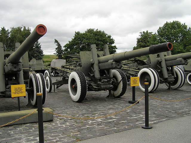 ML-20 152-mm Kanone-Haubitze