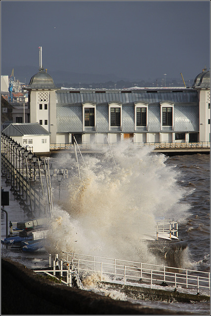 High tides and wind
