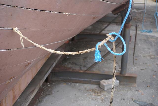 MF - caulking knots