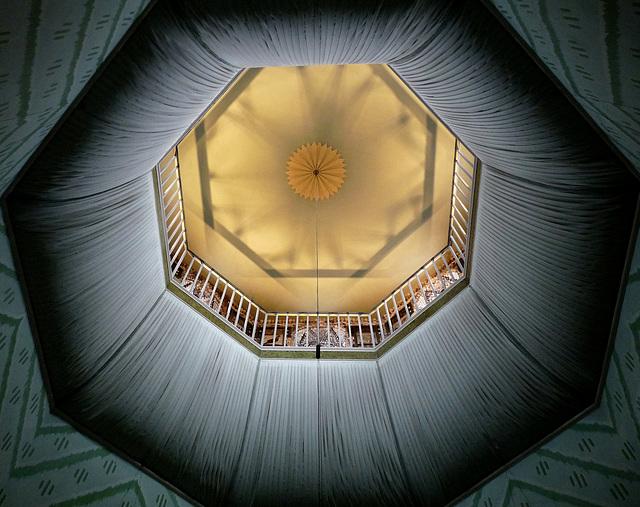 A La Ronde- The Octagon