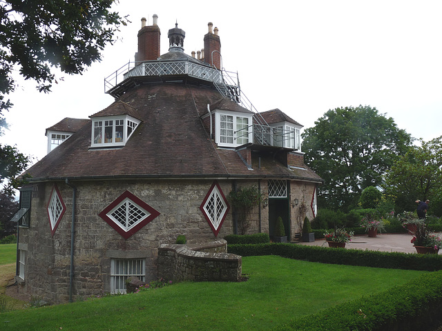 A La Ronde- Sixteen-sided House