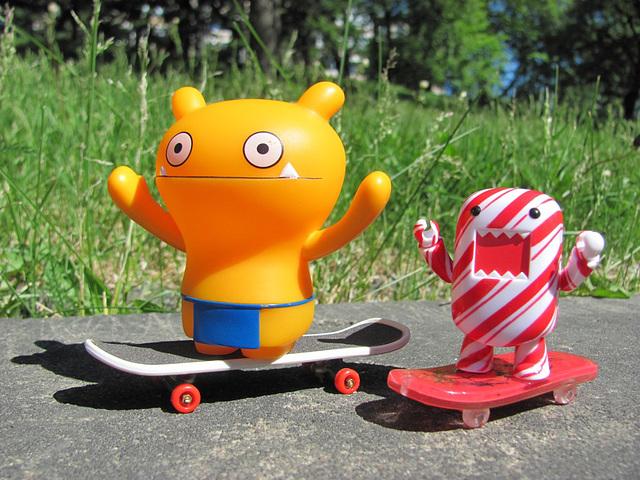 Wage teaching Candy skateboarding