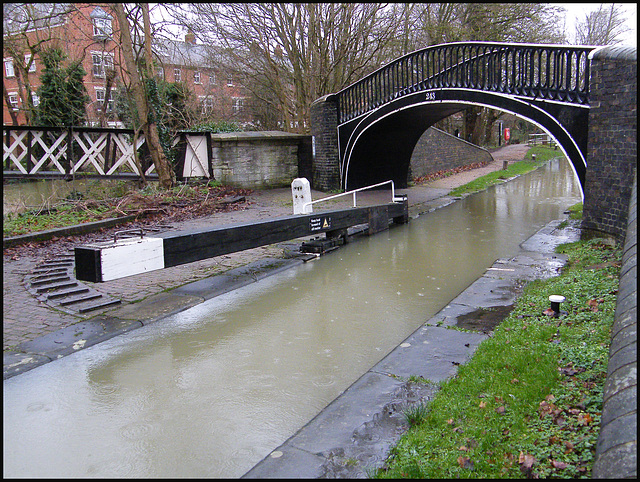 full canal at Isis Lock