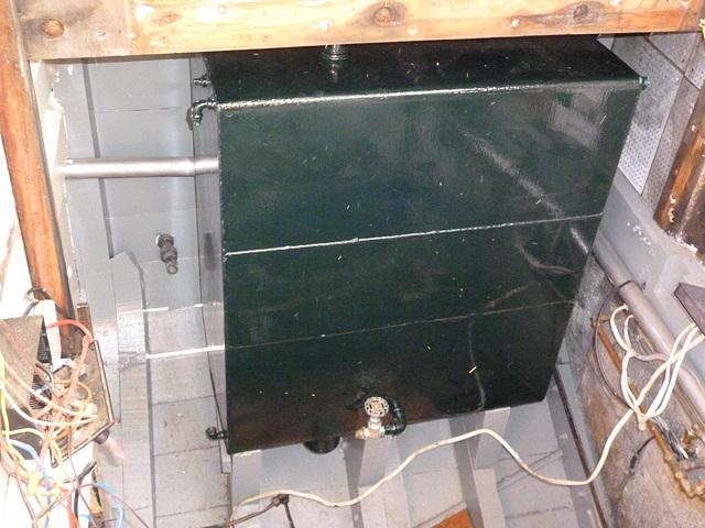 MF - port tank in